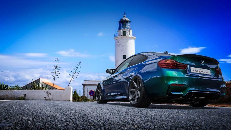 media/image/BMW-M4-Schra-g-hinten.jpg